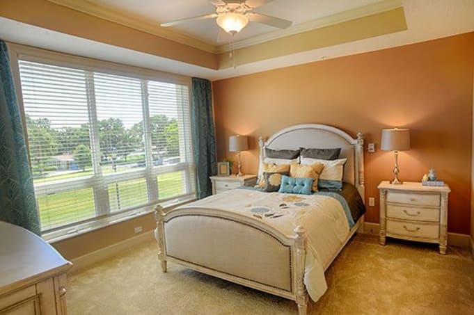 Westminster Shores Senior Living Florida Bedroom Photo